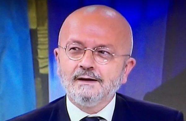 La direzione di Radio24 che ha fatto fuori Oscar Giannino perché anti-governo pentaleghista, ora non dovrebbe riassumerlo?