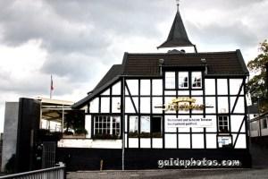 Köln Rodenkirchen Restaurant am Rheinufer