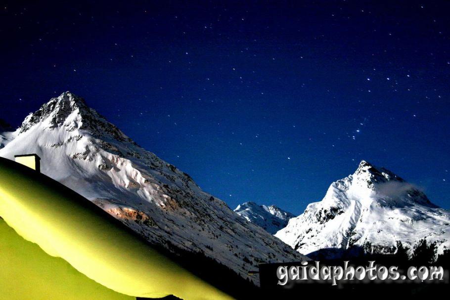 Galtür bei Nacht - Alpen im Mondlicht