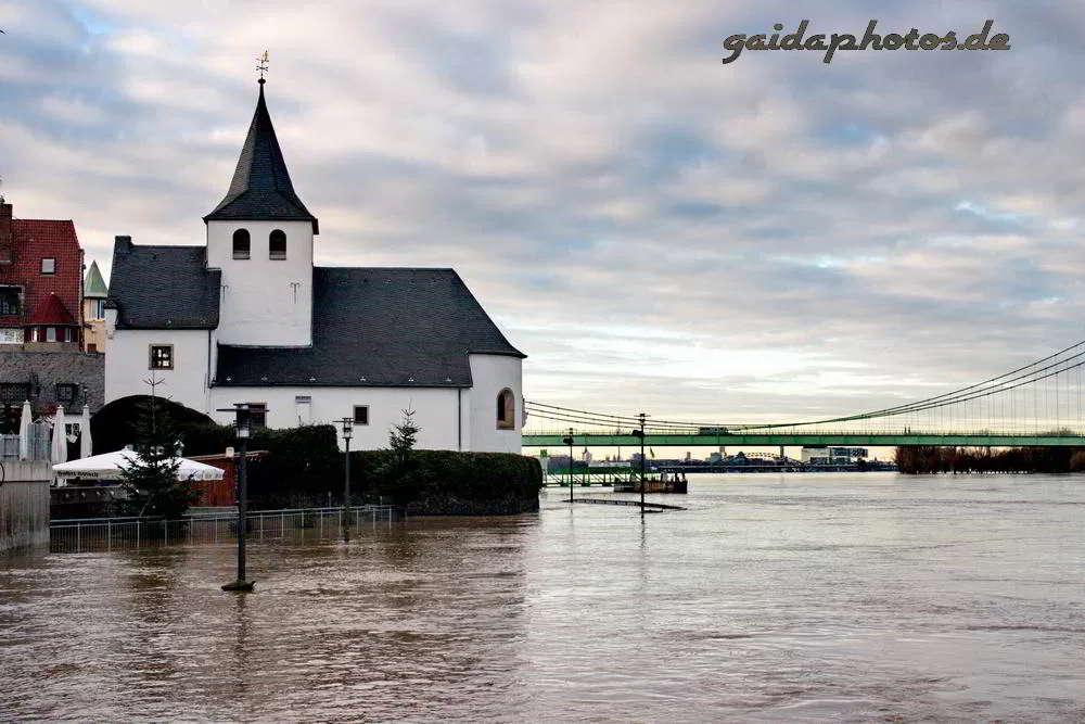 Rhein Hochwasser Rodenkirchen Kapelle