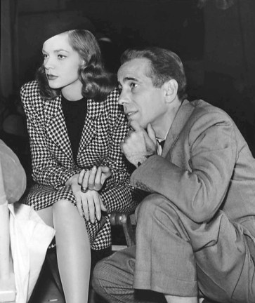 Bacall_and_Bogart_on_the_set_of_The_Big_Sleep