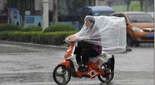 Memeando: Llegaron las lluvias   (Tláloc es un loquillo)