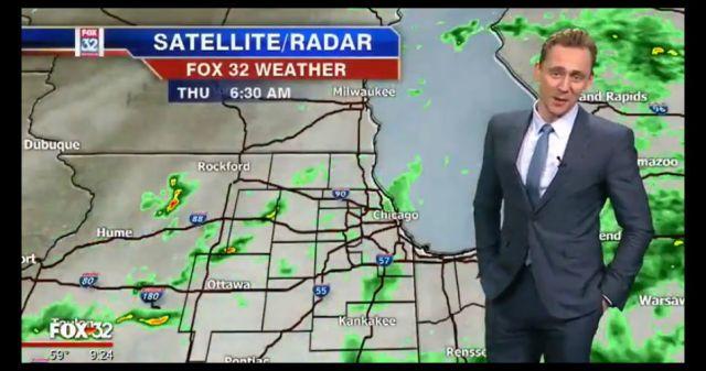 Tom Hiddleston da el reporte del tiempo en una estación de Chicago