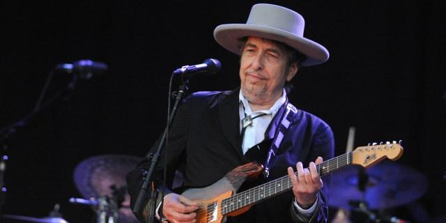 Bob Dylan recibirá por fin el premio Nobel de Literatura