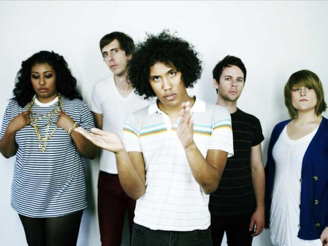 Ponle play: discos nuevos de Black Kids, The Script y And so I watch you from afar