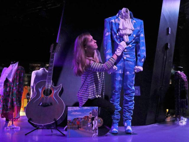 """""""My name is Prince"""": Londres acoge la mayor exposición del cantante de """"Purple Rain"""""""