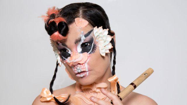 Ponle play: discos nuevos de Vinila von Bismarck, Björk y Luis Miguel