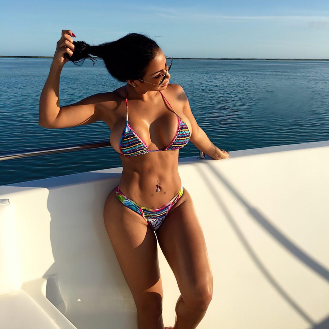 Dolly Castro (34)