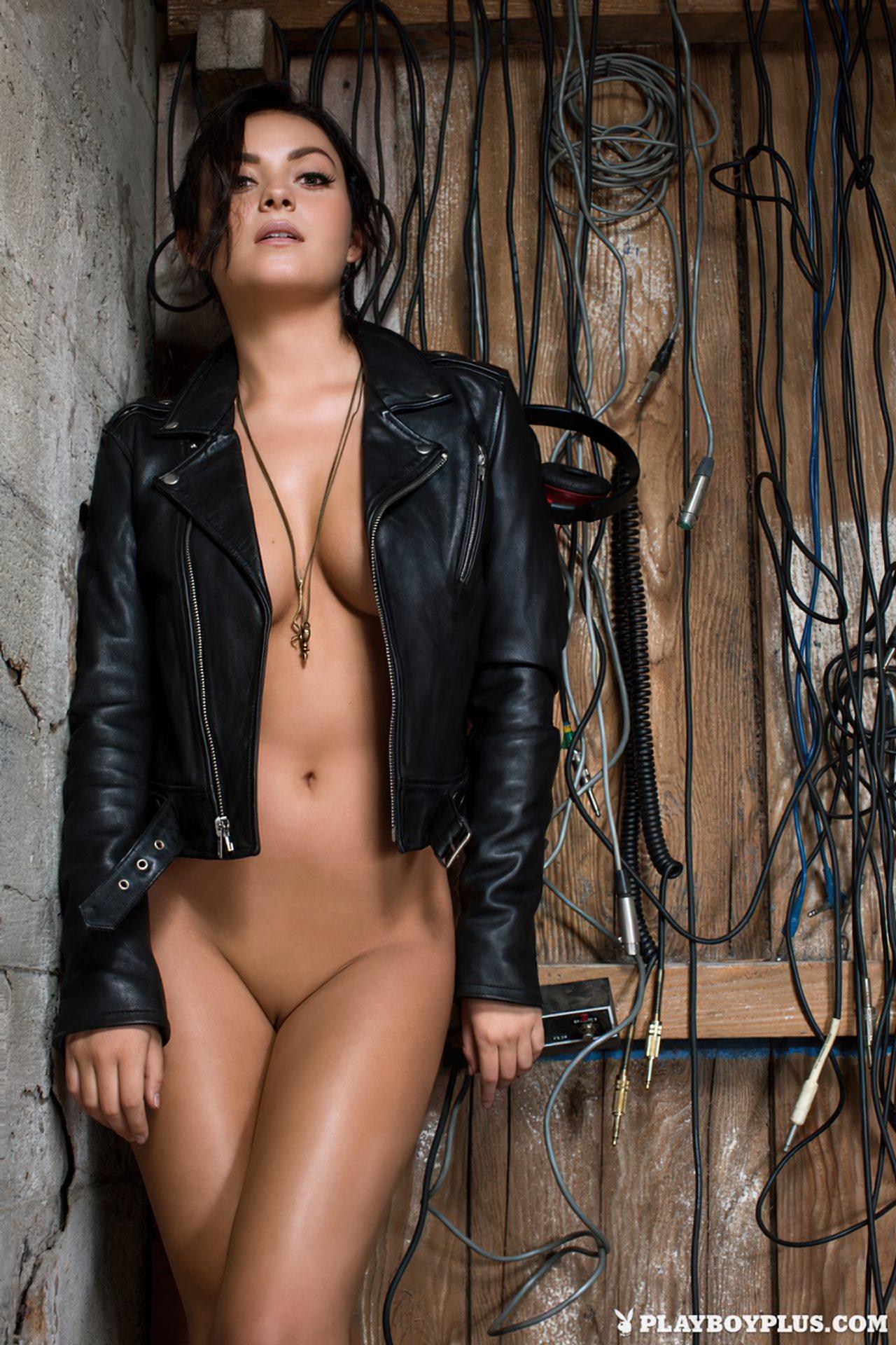 Alexandra Tyler Nua (12)