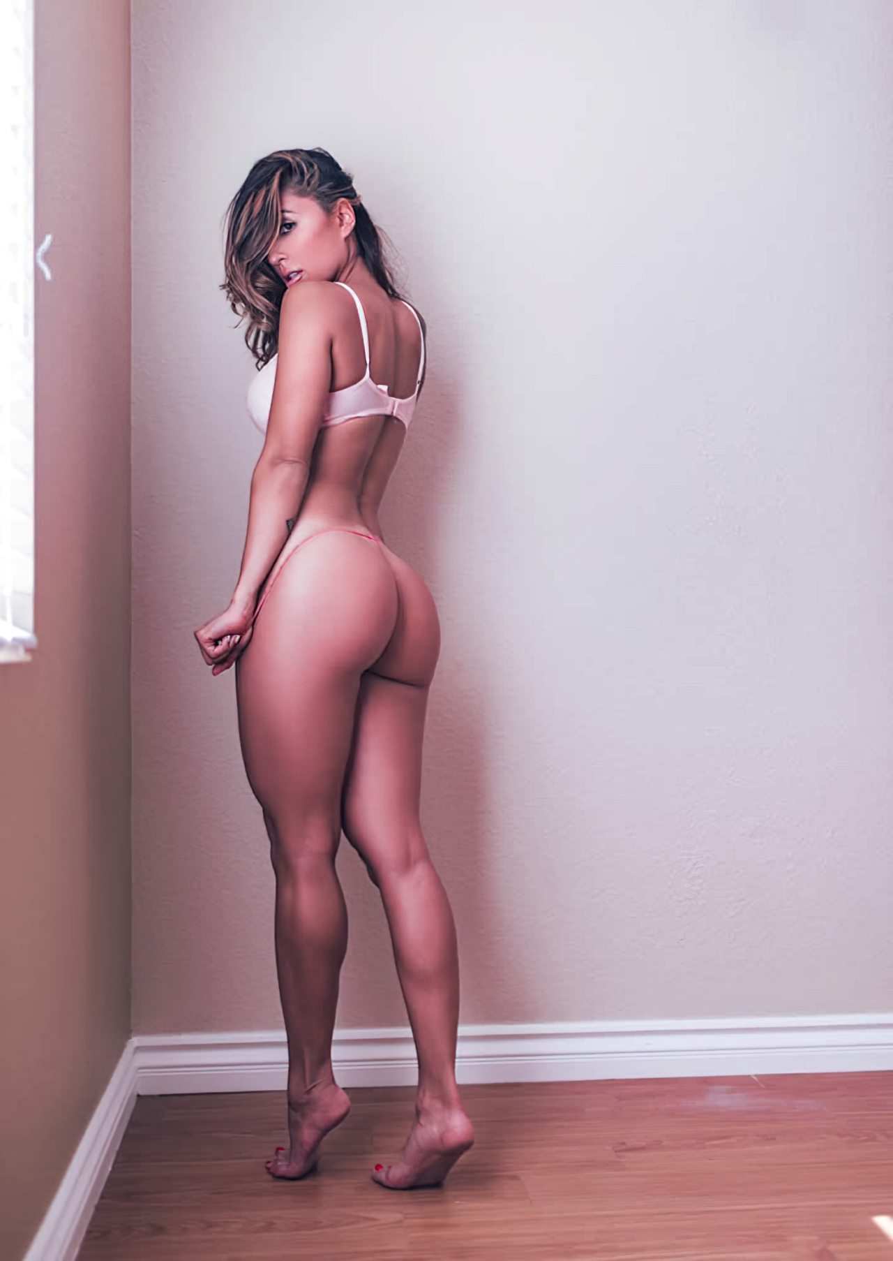 Tianna Gregory (6)