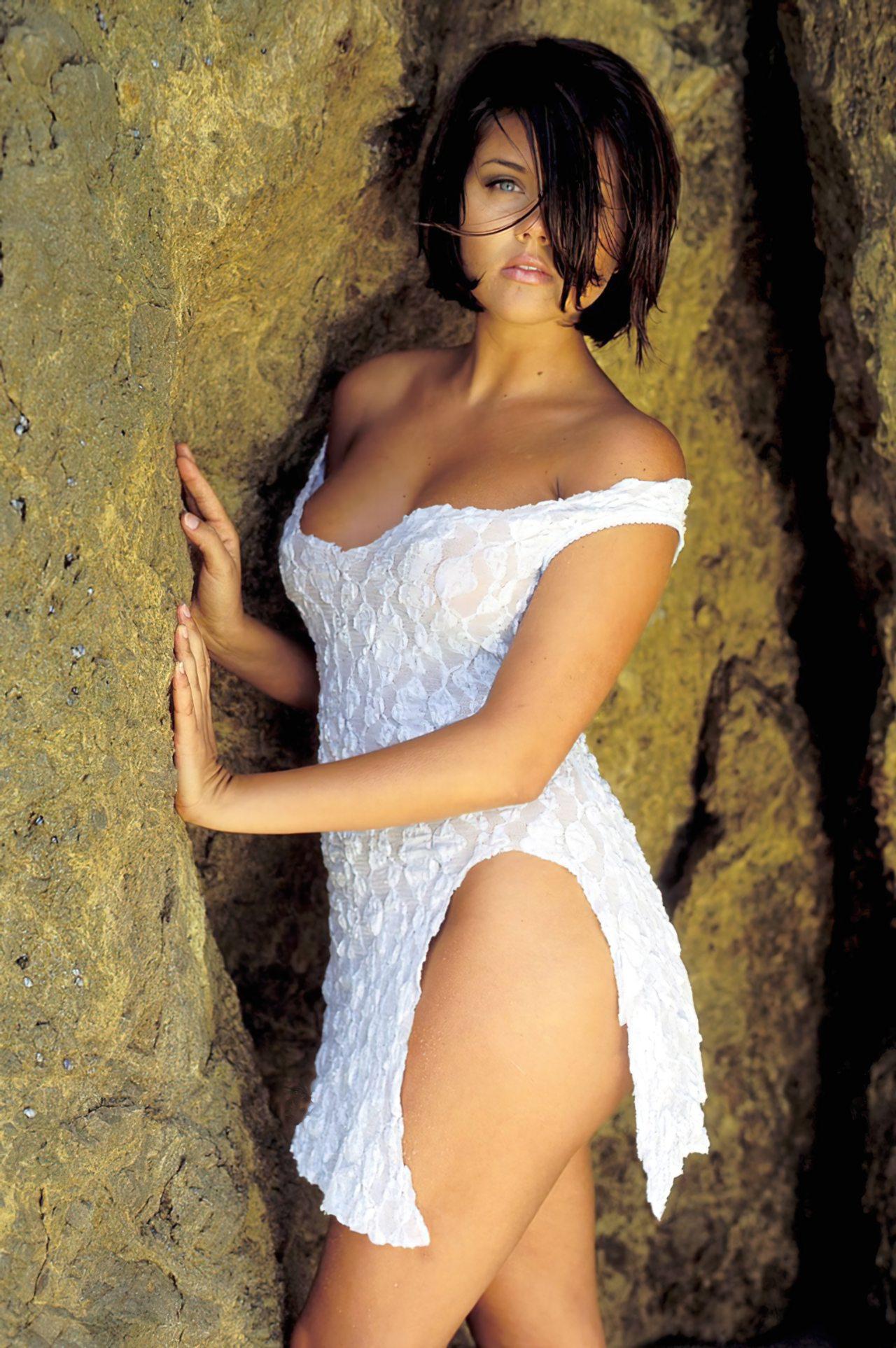 Tiffani Amber Thiessen (10)