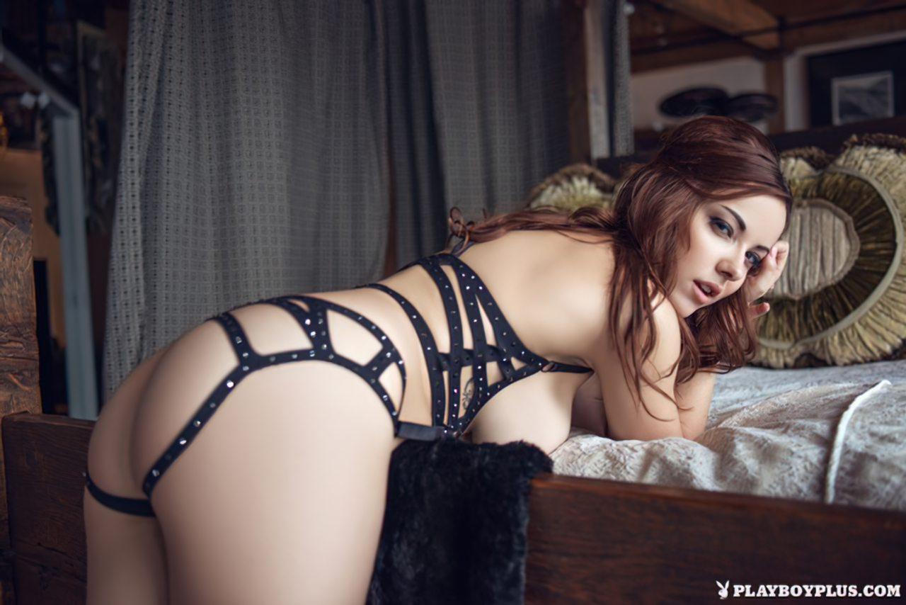Mulher Atraente (2)