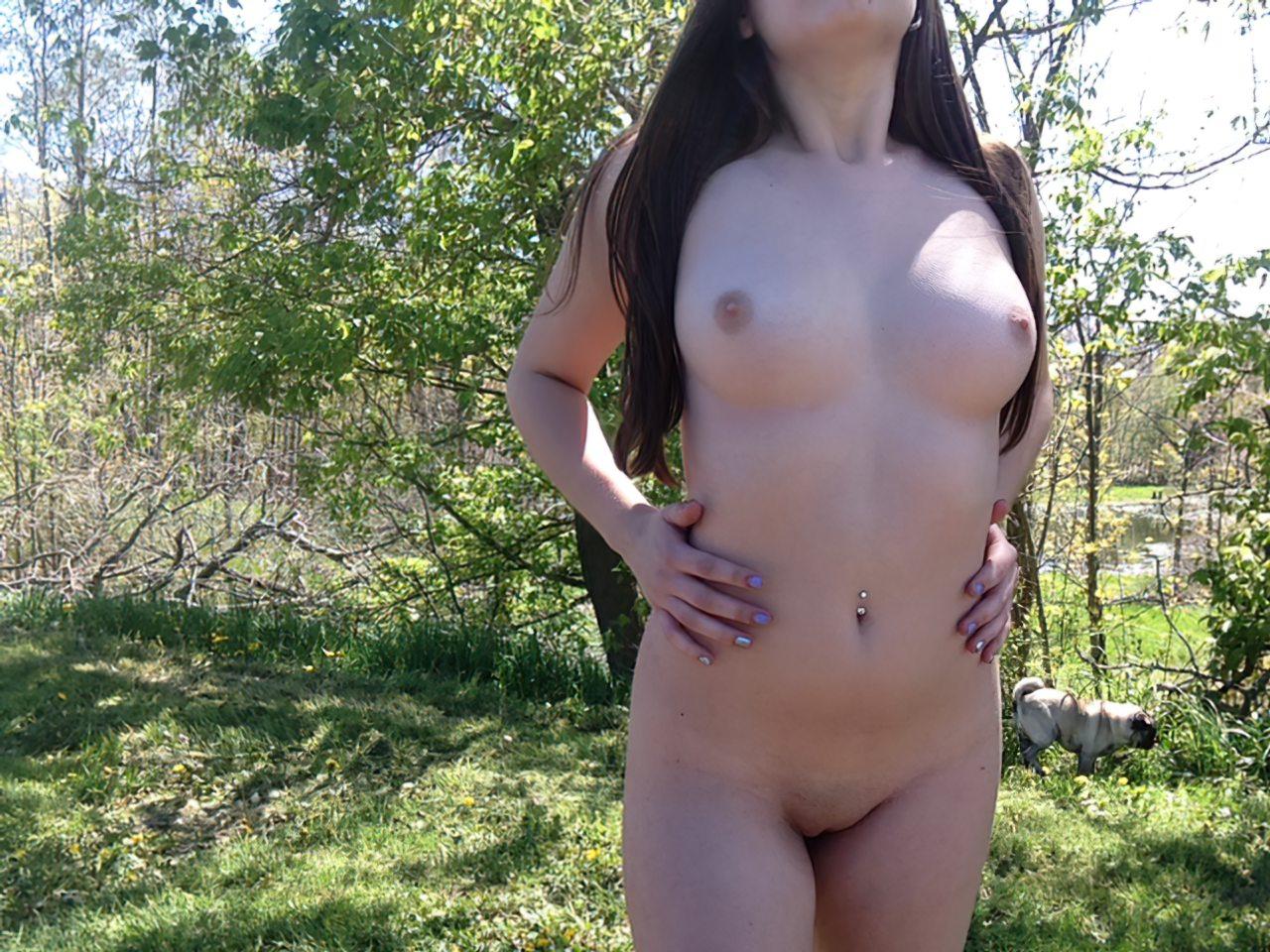 Amadora Nua Meio da Natureza (17)