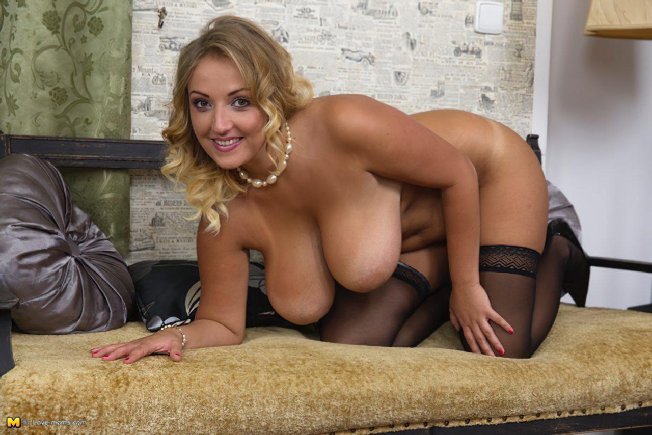 Loira Sexy Segredos Striptease (14)