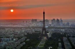 Paris red skyline