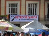 Foto apoyo La Candelaria en manifestación contra destitución de Gustavo Petro