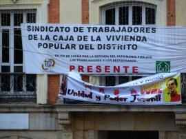 Valla sindicato del Distrito en manifestación contra destitución de Gustavo Petro