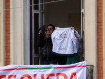 Camiseta Bogotá Humana en manifestación contra destitución de Gustavo Petro