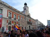 Carteles de todos los calibres para llamar la atención sobre la monarquía española