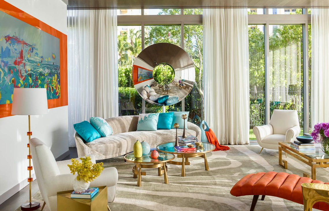 When Traditional Interiors Meet Bold Contemporary Art and ...