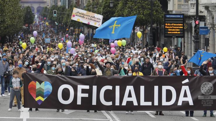Manifestación pola oficialidade do asturiano e o galego-asturiano