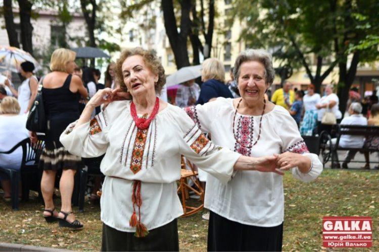 В Івано-Франківську все більше людей доживають до 65+