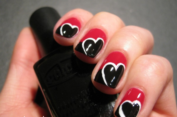 Black Nail Art Designs And Ideas 36