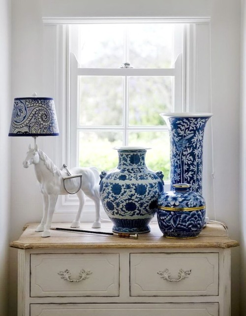 Blue and White Ceramics, Gallerie B