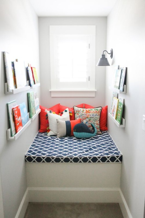 Very cute reading nook idea. Friday's Favourites, Gallerie B blog.