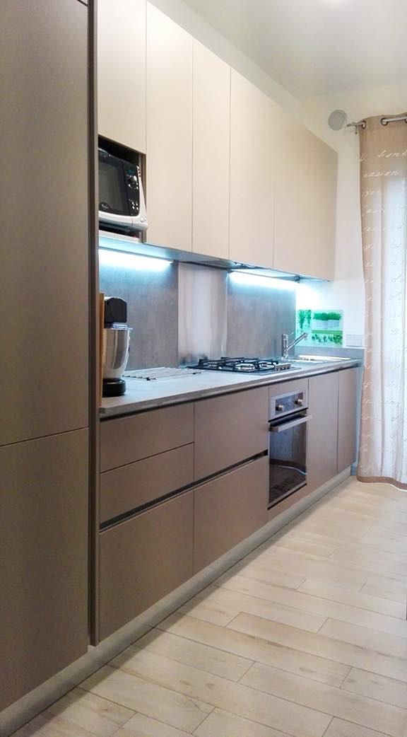 Disposizioni di cucina su due lati adiacenti. Cucine Su Misura Torino Progettazione Ristrutturazione Realizzazione Gallery Home