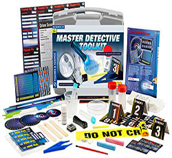 Thames and Kosmos Master Detective Tool Kit