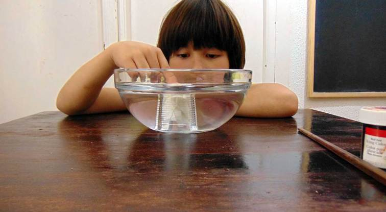 Air Experiments For Kids - A cool experiment that leaves paper dry even when submerged in water.