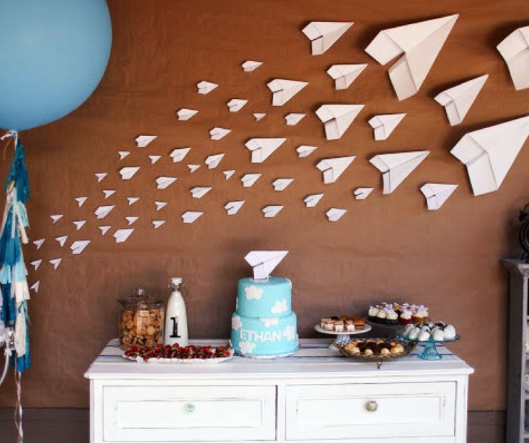 Make paper airplanes and stick them to the wall for an easy wall decor for parties or baby rooms.
