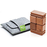 Magnetic wooden building blocks that fits in a pouch! How cool is that?