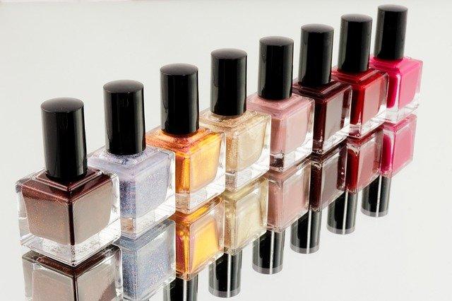 manicure colours bottles