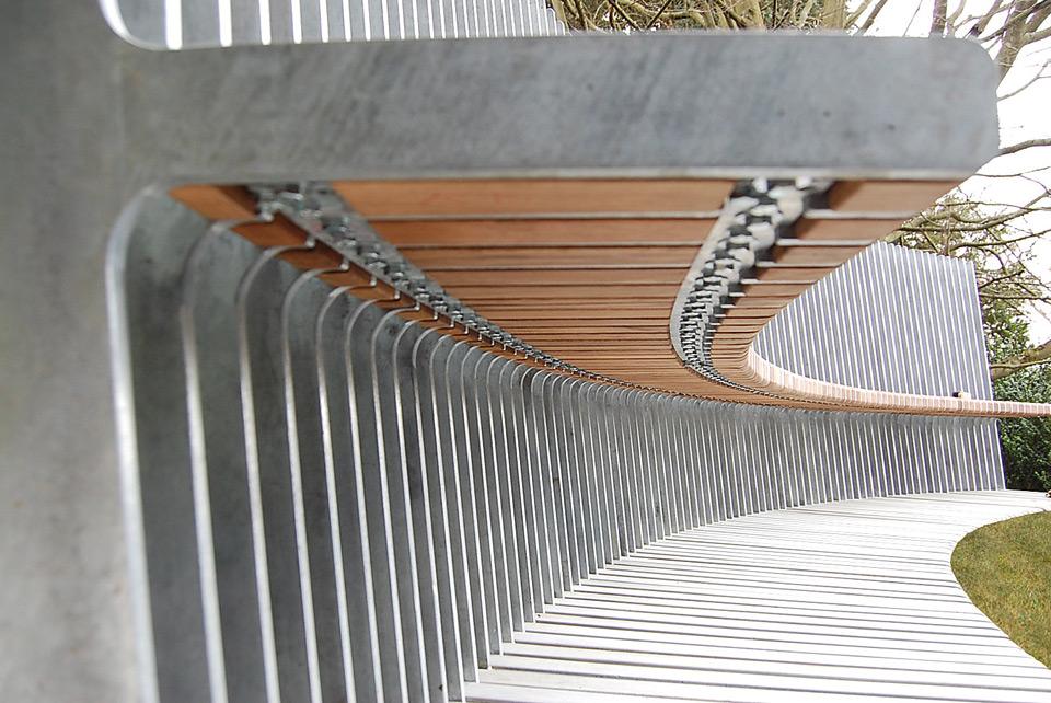 bench-text-slider-3