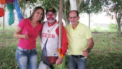 Jaqueline Silva e Sandro com Pirulito