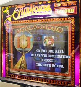 funhouse-williams-bluebird-1-slot-machine--4