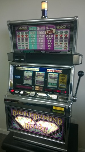 IGT DOUBLE DIAMOND DELUXE S2000 SLOT MACHINE For Sale • Gambler's Oasis USA