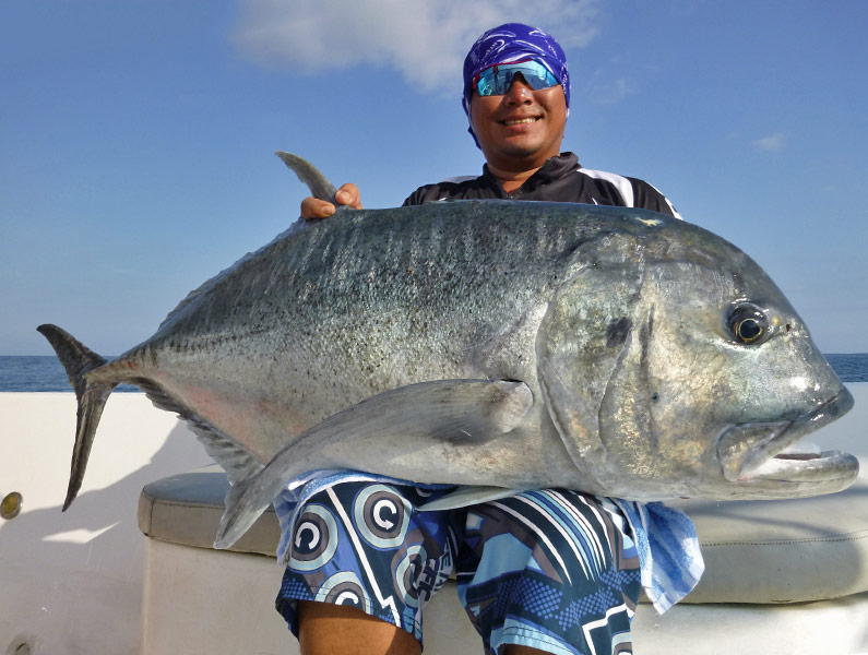 11_giant-trevally_popping_andamans_fishing_carpenter-rods_shimano-stella-reels_craftbait-lures_koh-guan-chu