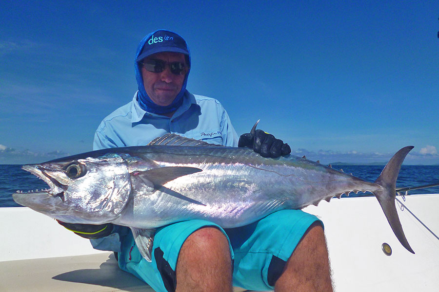 jean-micheal_dogtooth-tuna_popping_andamans_sakura-travel-rod_daiwa-saltiga-reel_chinese-popper