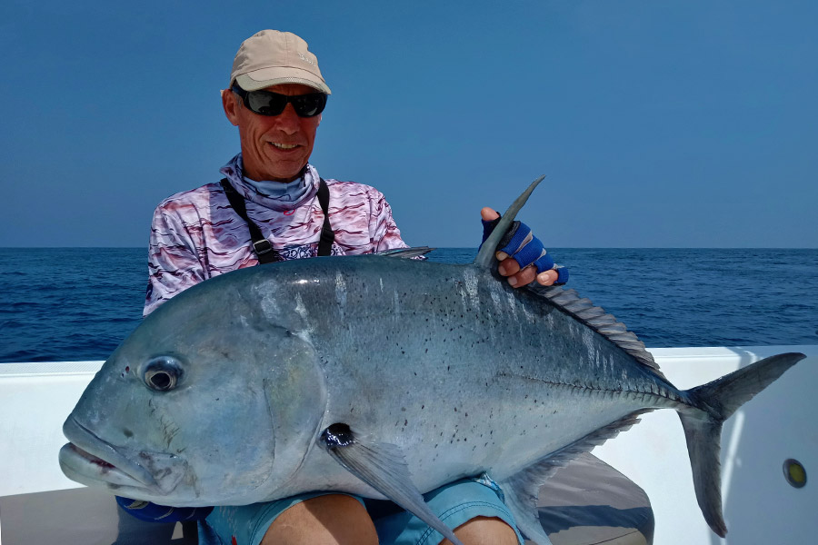 giant-trevally_popping_andaman_daiwa-gt-86-rod_daiwa-6500-reel_nomad-180gm-popper_darran-2