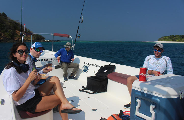 Instagram_Lunch-time-on-boat_popping_andaman_Daiwa-Saltiga_gamefishingasia_boat_big-fish_gtpopping_boat-charter_angler_Sam-Mitchison
