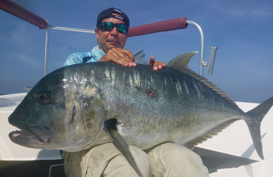 No11_Giant-trevally_fishing_popping_andaman_Daiwa-Saltiga_gamefishingasia_boat_big-fish_gtpopping_boat-charter_angler_Darran-Davis