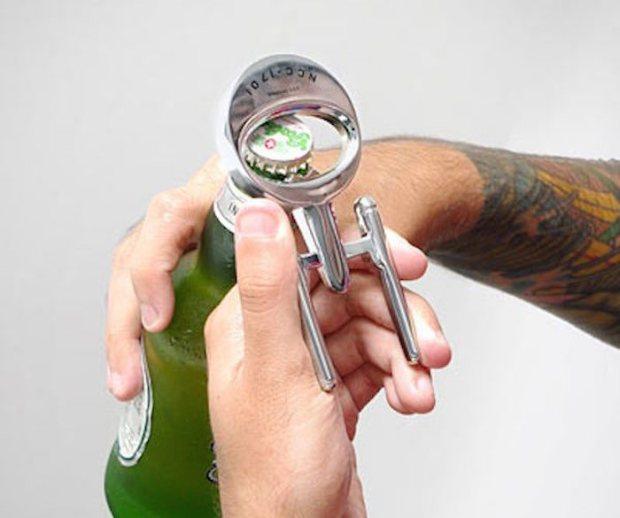 Star-Trek-Enterprise-Bottle-Opener-01