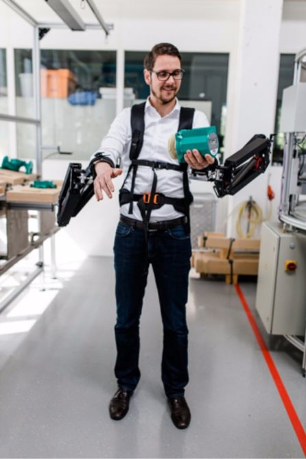 Robomate Exoskeleton Will Help You Lift 10 Times More Weight