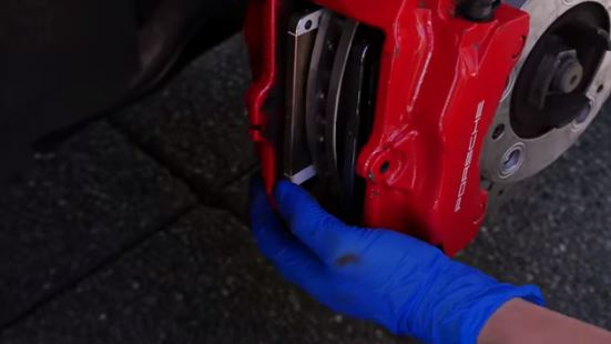 This is What Happened When You Replace Porsche Brake Pads With iPhones
