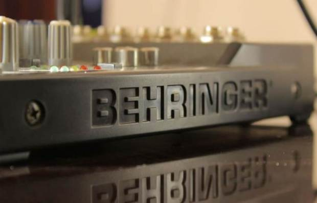 C:\Users\FizXMainFrame\Downloads\Behringer Xenyx 502 Mixer.jpg