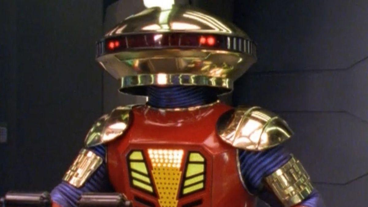 Se revela el diseño de Alpha 5 en la película de los Power Rangers