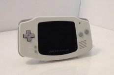 Game Boy Advance avec boîte